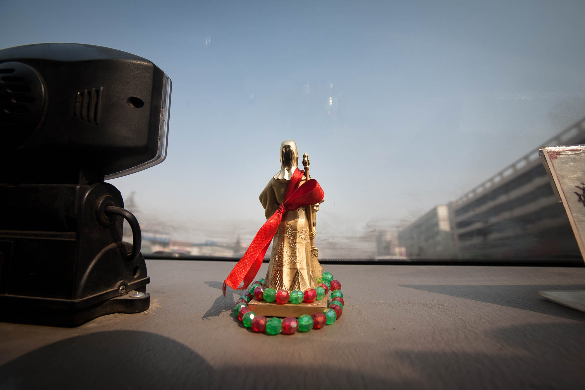 Guan Yu in a car