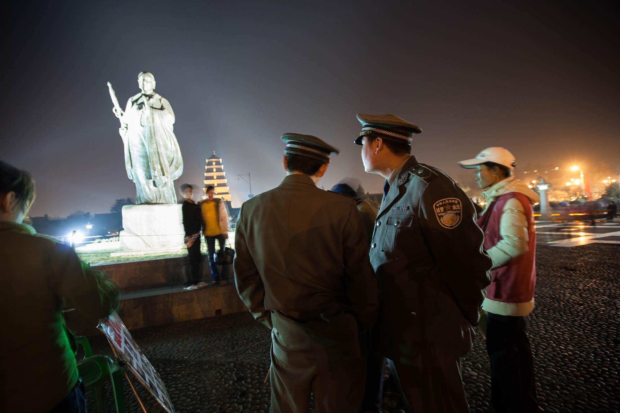 statue of Xuan Zang