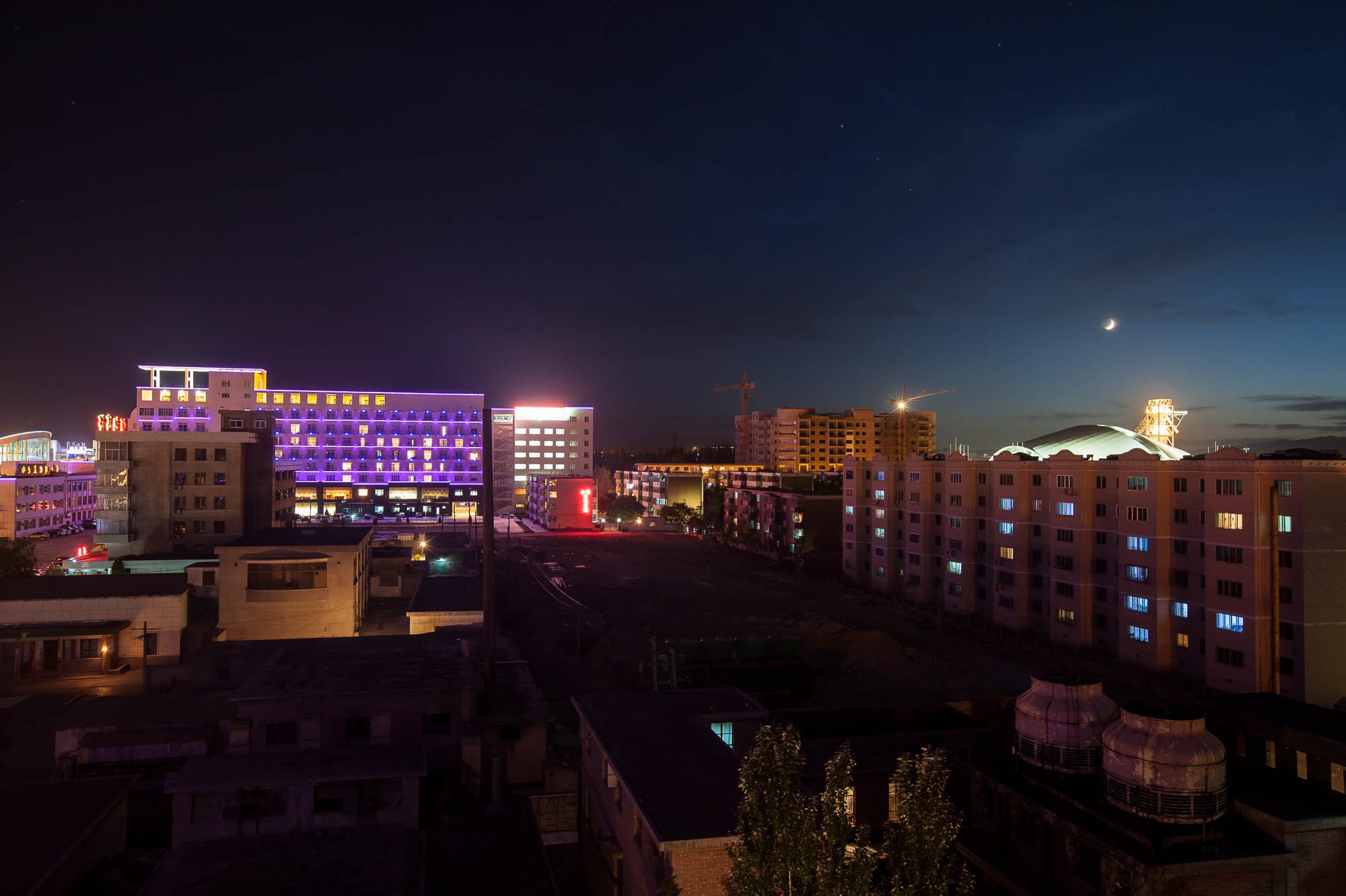 Jiayuguan at night