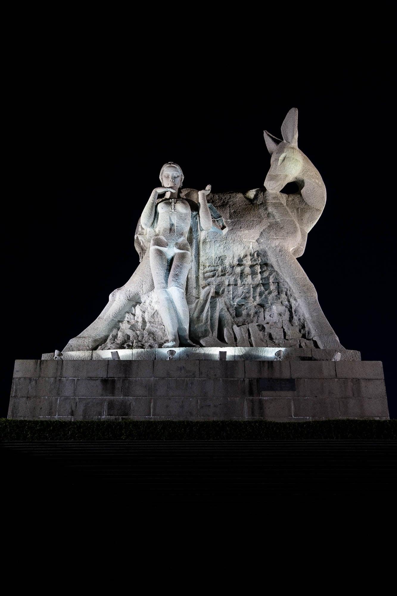 Luhuitou statue