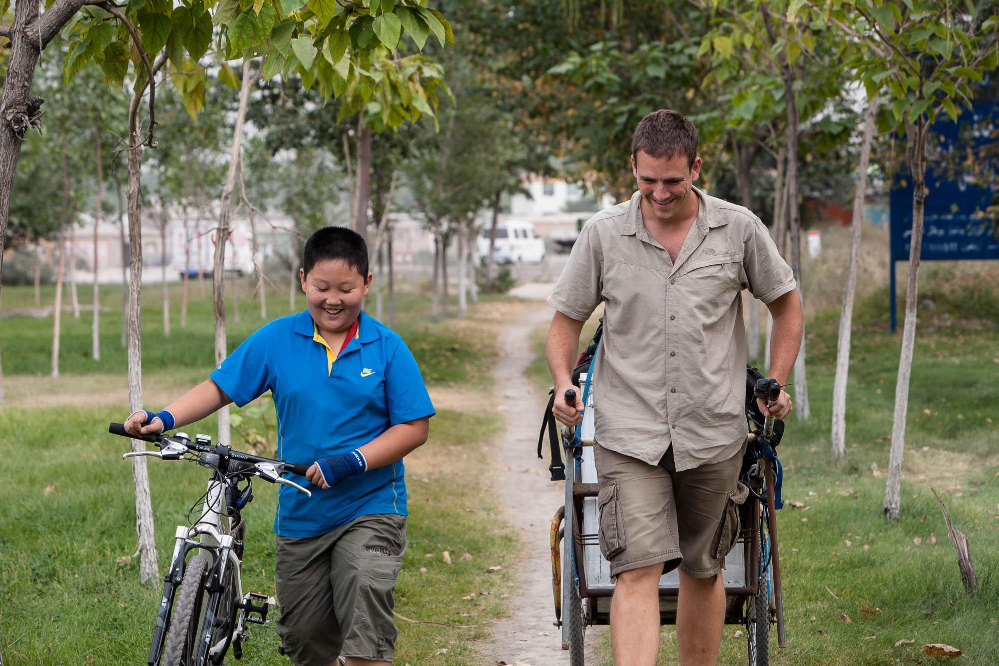 walking with Zong Zheng