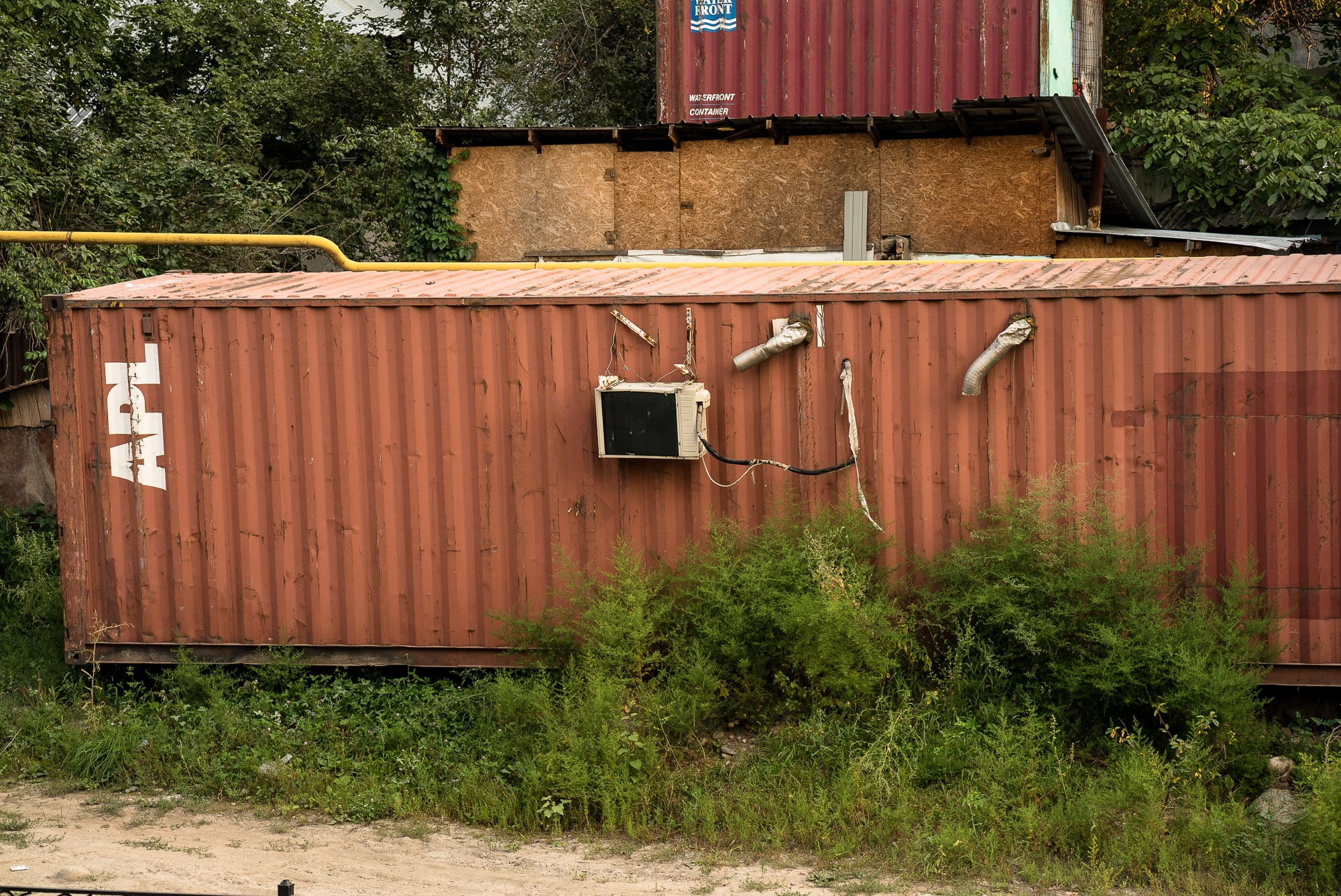 container with a/c
