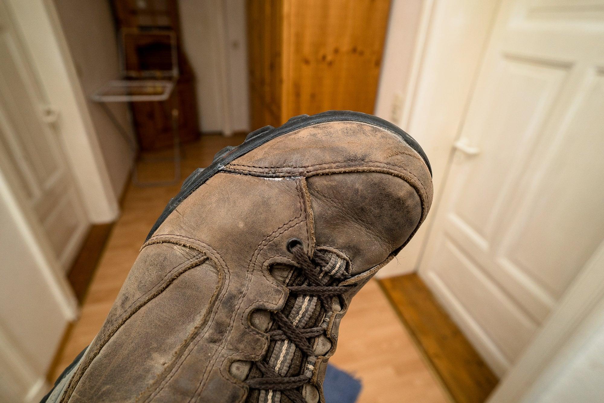 fixed shoe