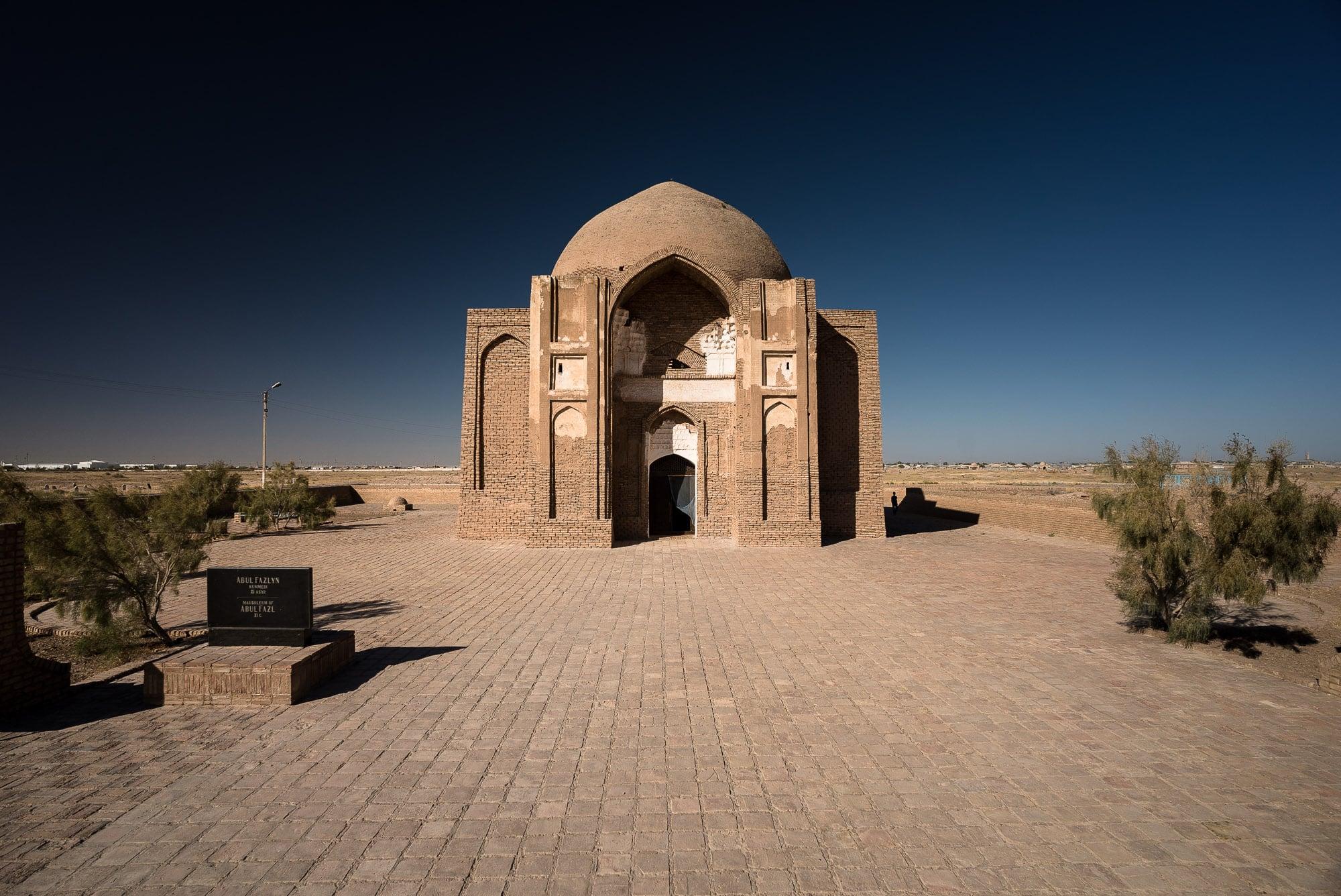 mausoleum near Serakhs