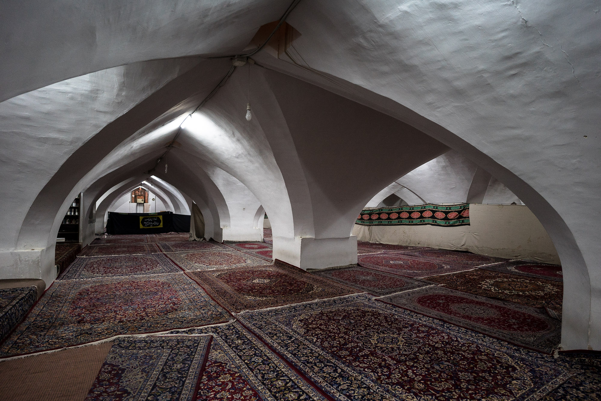 vaults under Atiq Jameh Mosque