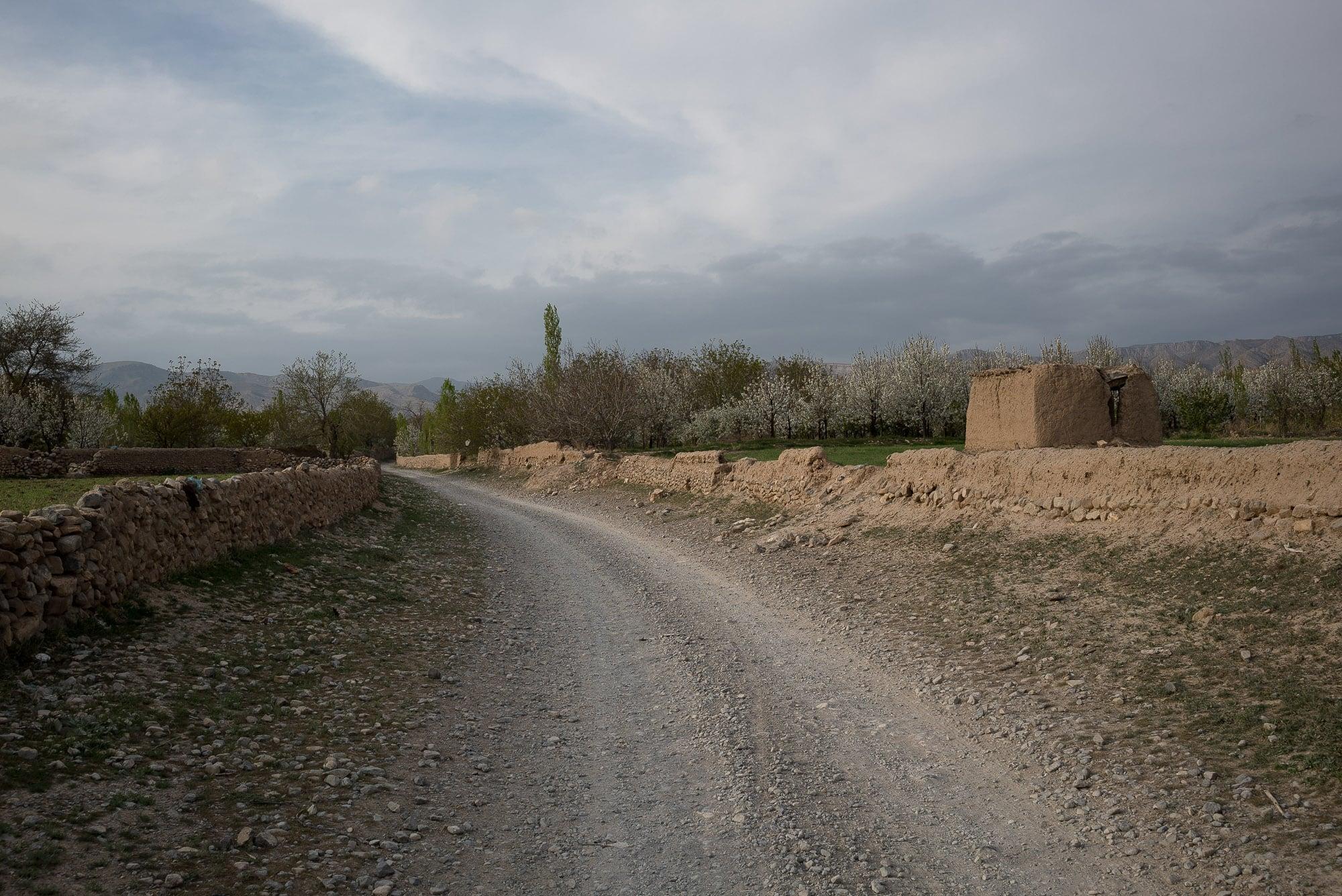 into Mouchenan