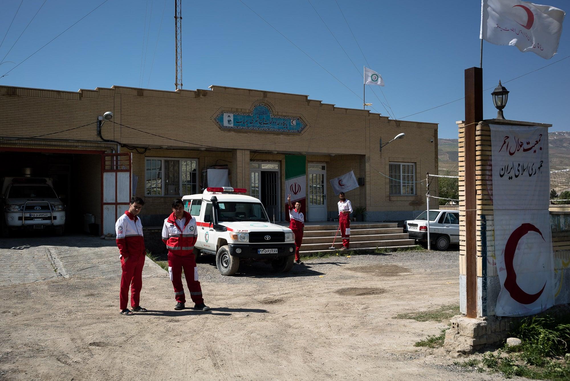 Red Crescent dudes