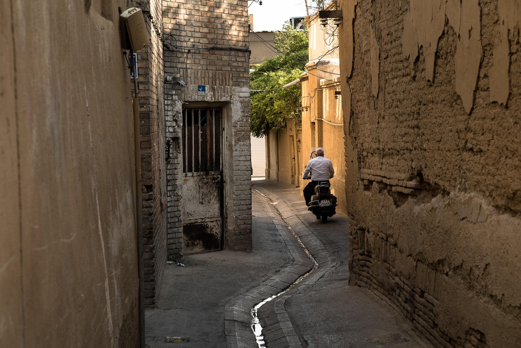 back alley in old Tehran