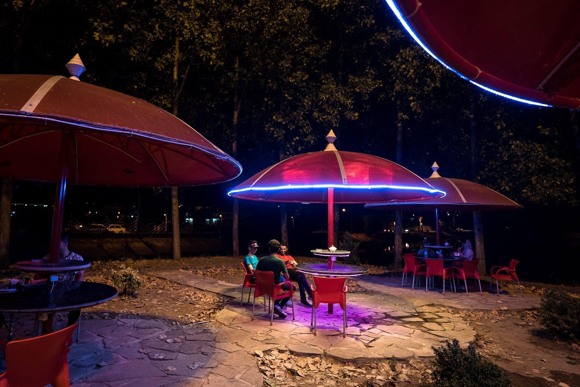 open-air restaurant in Kumeleh