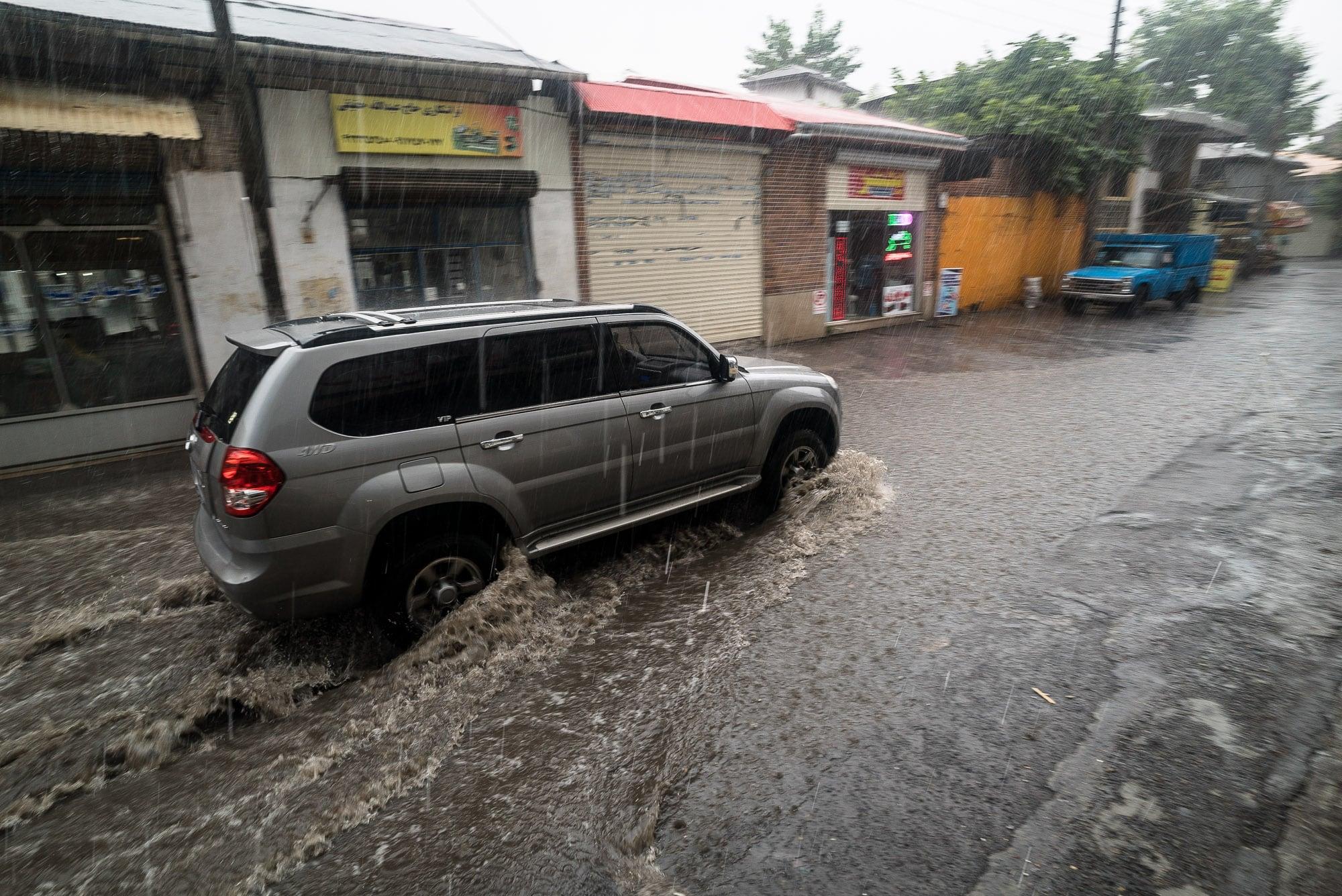rain in Lahijan