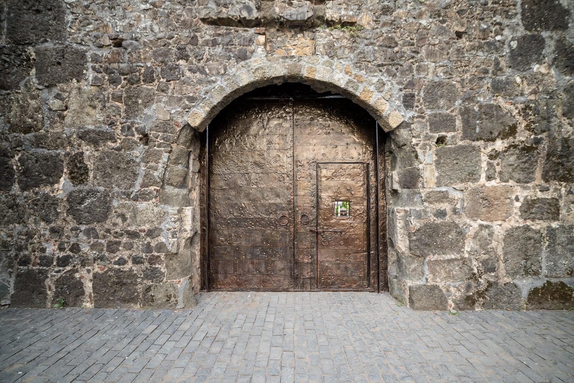 Gonio Fortress gate