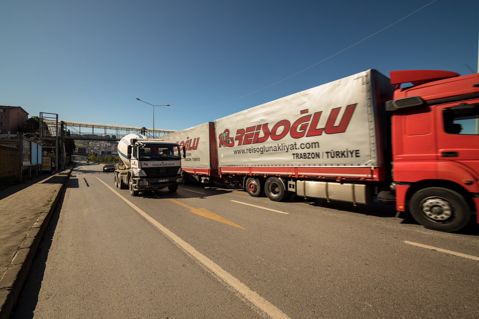 heavy traffic on the road into Trabzon