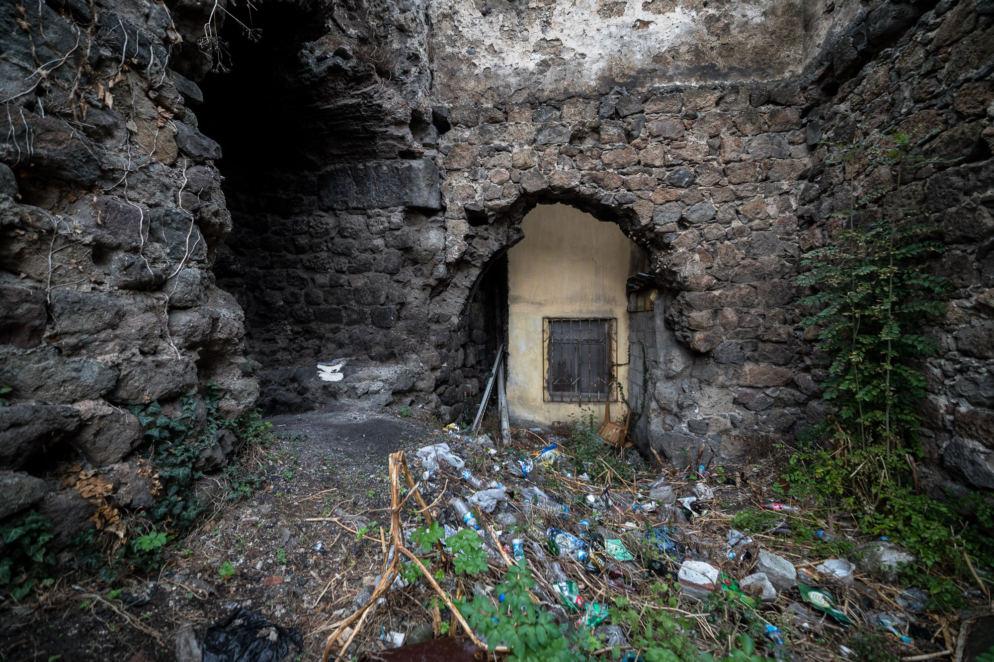 house built into the Trabzon wall ruins