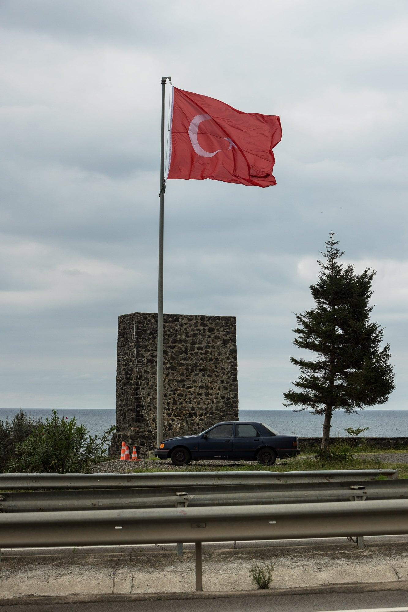 car with turkish flag