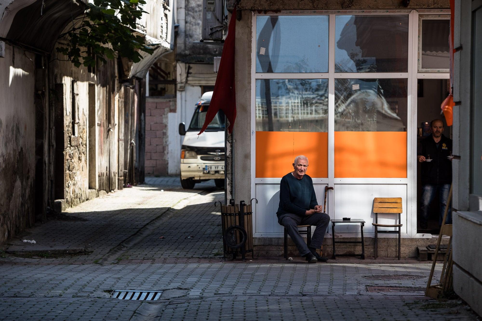 man having tea in Espiye