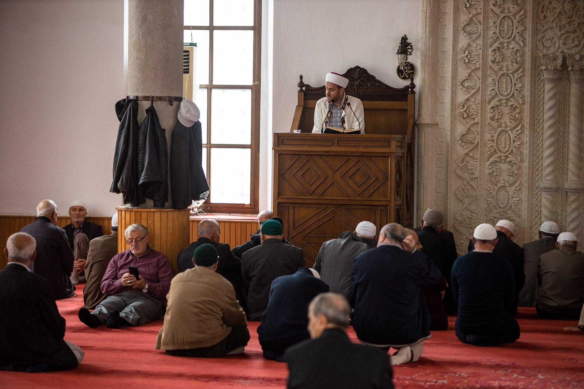 imam in Atik Ibrahim Pasa mosque
