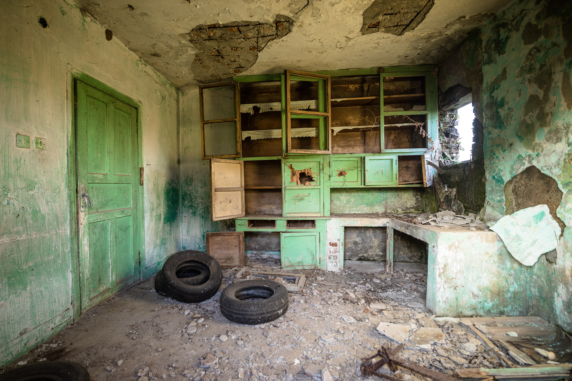 room in the abandoned house